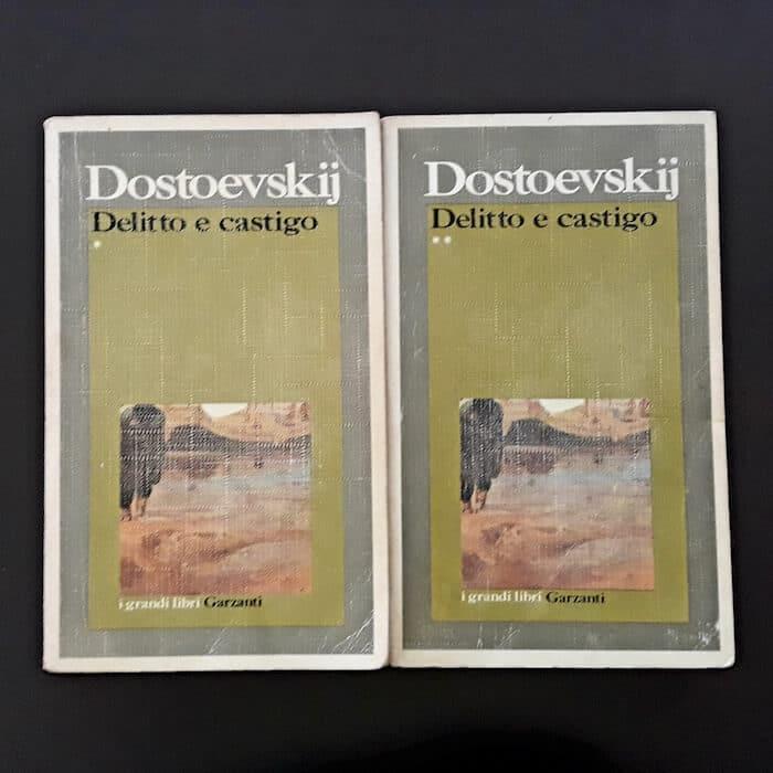 """Copertina di """"Delitto e castigo"""" di Dostoevksij, edizione Garzanti"""